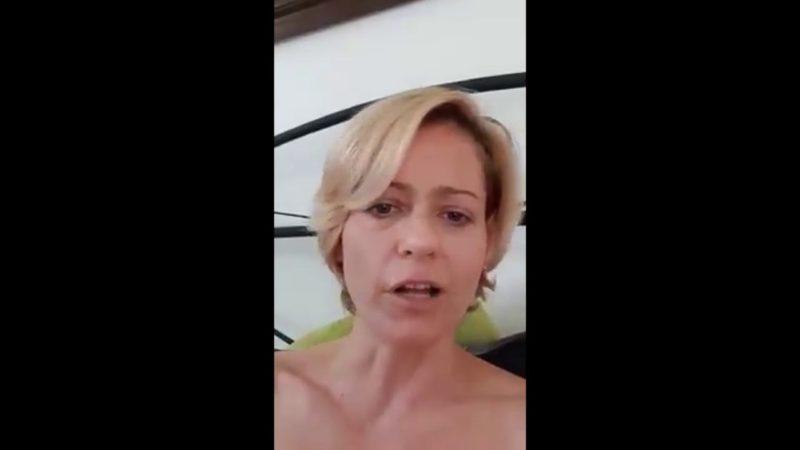 vad orgia cső pornó testmasszázsok